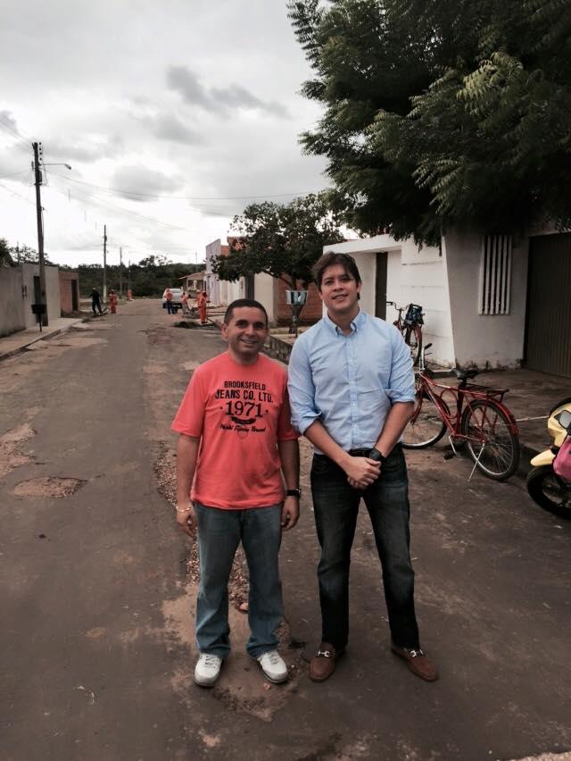 Vereador Mário Assunção pratica a política da subserviência, enquanto isso cresce o DESEMPREGO em Caxias!