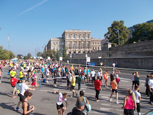 """Sunday holiday crowd watching and cheering competitors of """"BUDAPEST MARATHON""""."""