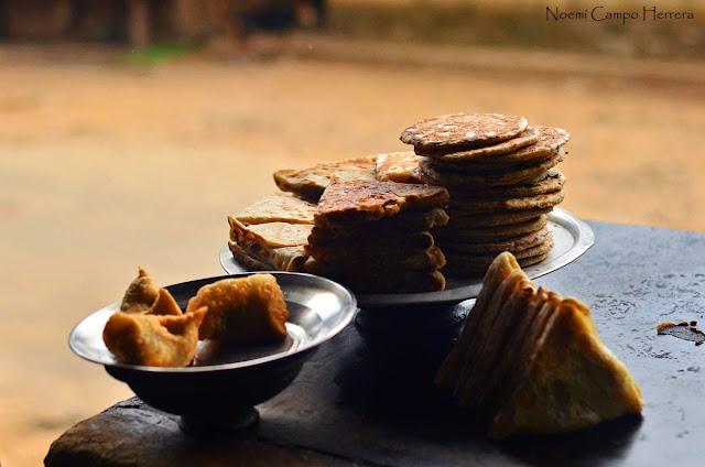 Fritos en puesto callejero en Sri Lanka