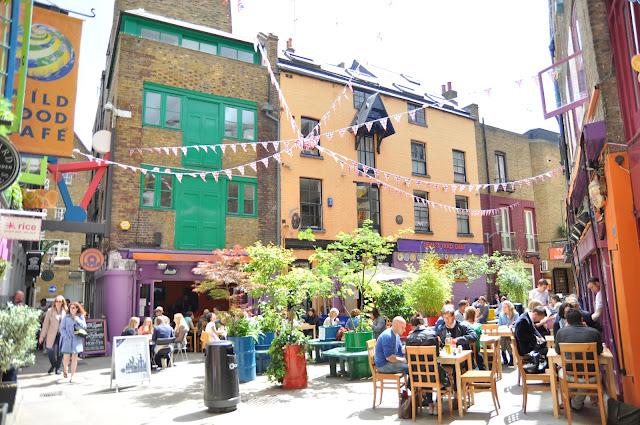 Neals+Yard+secret+garden+Seven+Dials+Covent+Garden+London