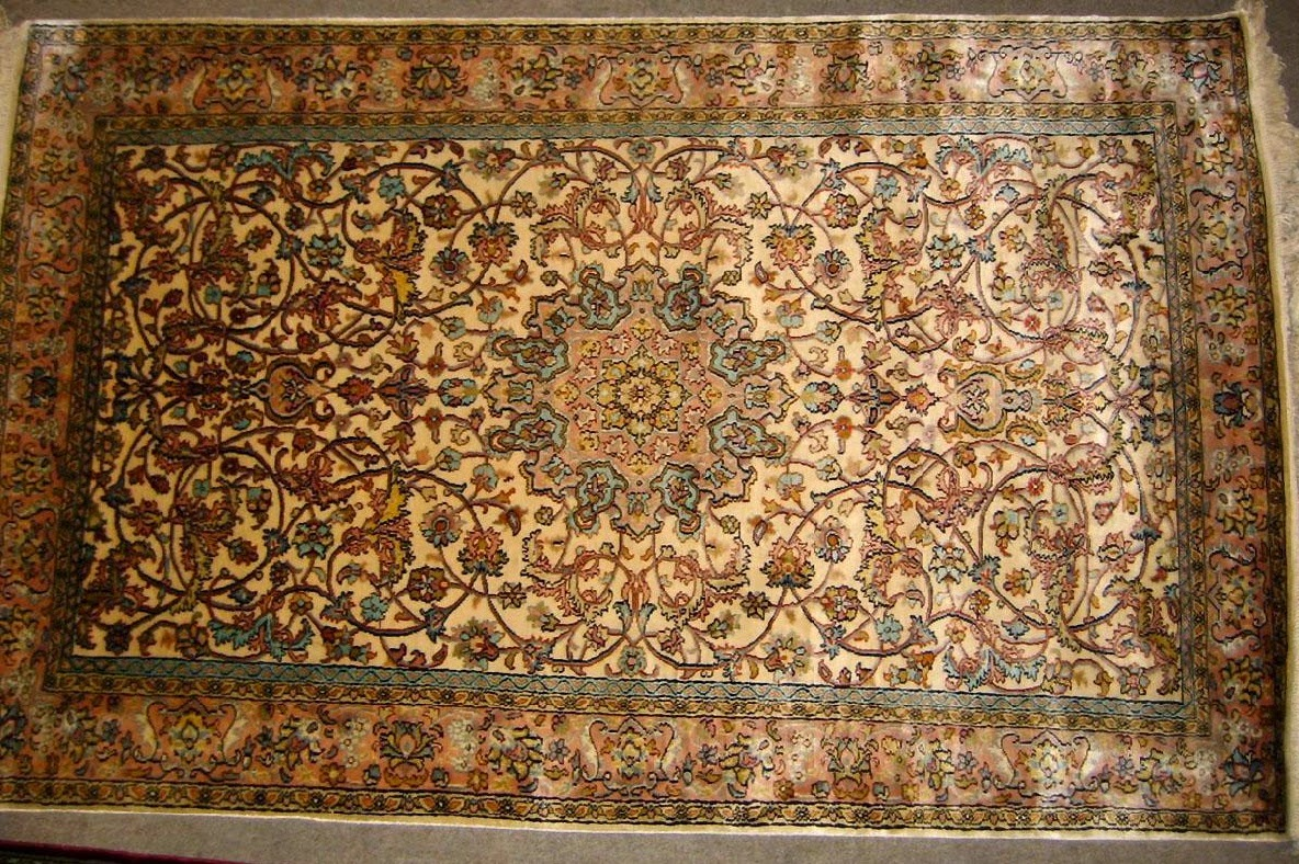 How to take care of SILK Carpets