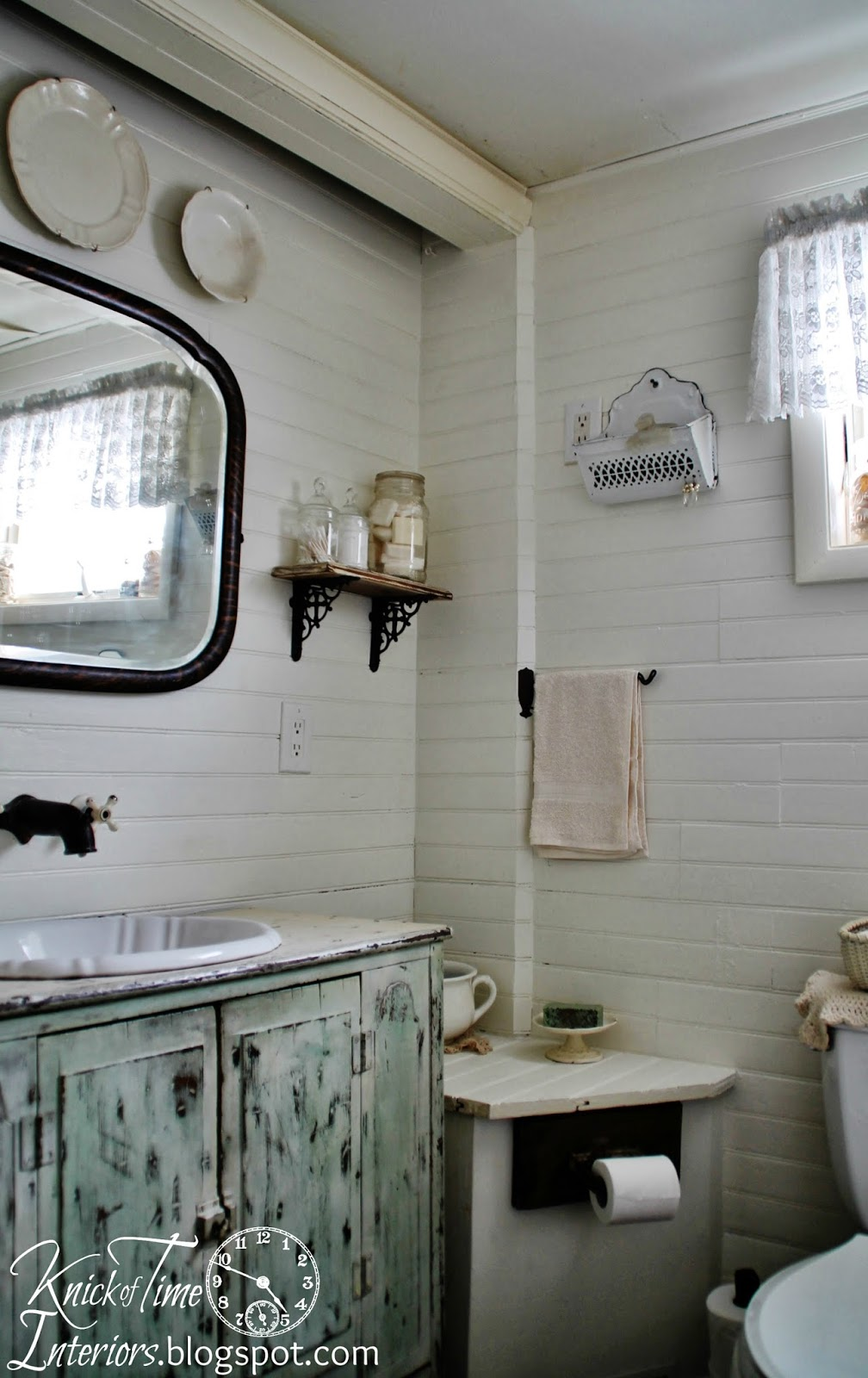 Farmhouse bathroom makeover again knick of time for Bathroom decor farmhouse