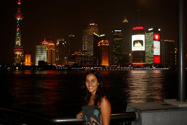 Vistas del Skyline de Pudong desde el Bund, Shangai.