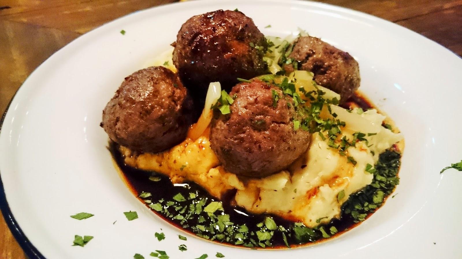 wagyu meatballs with mashed potato