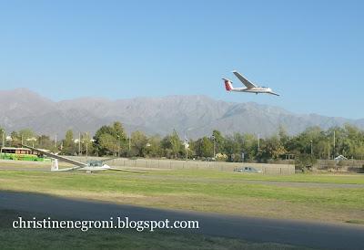 Gliders+landing+in+Santiago-001.JPG