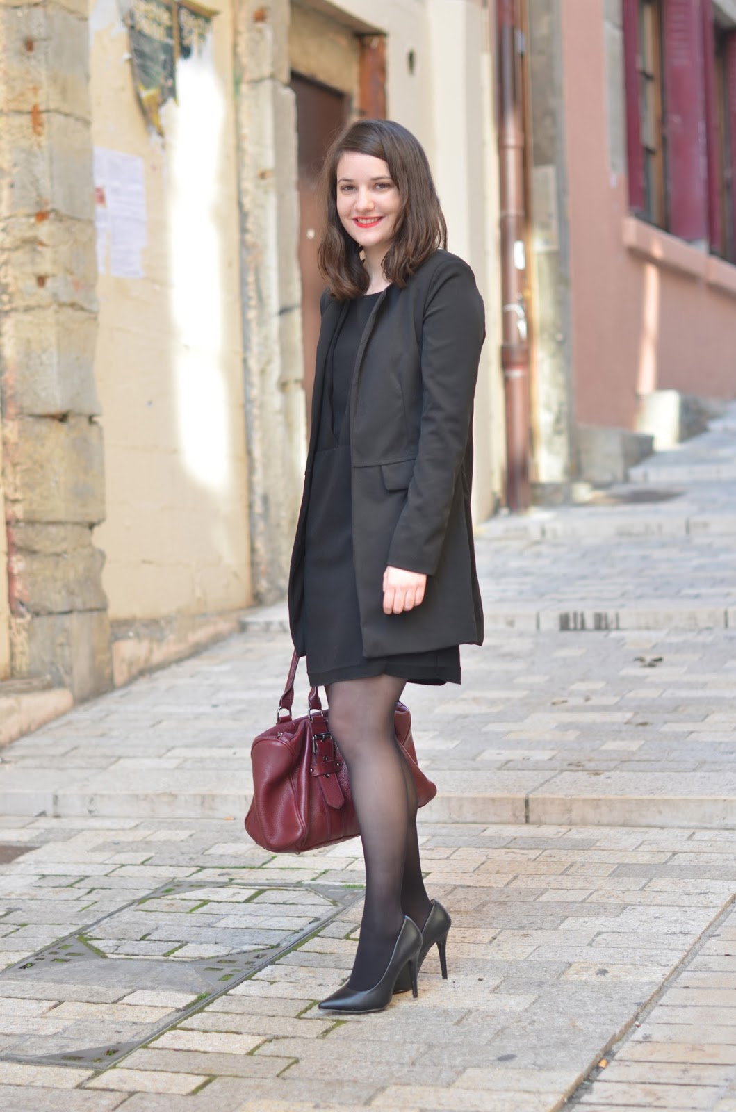 Comment s 39 habiller pour un entretien d 39 embauche jumelle ln blog mode lyon - Comment raviver un vetement noir ...