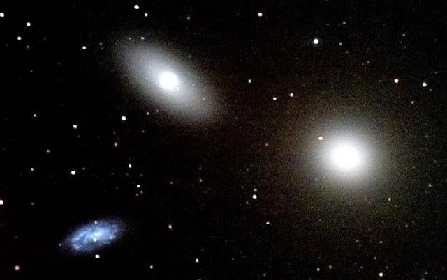 galaxias M105, NGC 3384 y NGC 3389