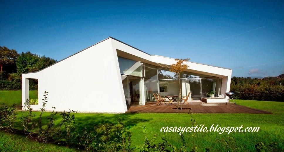 Casa moderna minimalista casas y estilo for Casa moderna 8