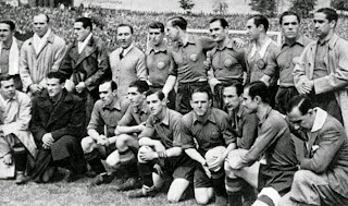 FOTOS HISTORICAS O CHULAS  DE FUTBOL - Página 10 Espan%CC%83a%2B1935