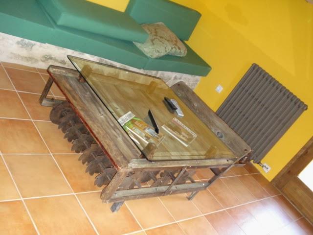 Escaleras de interior a medida escaleras de interiores for Mesas hechas con puertas antiguas