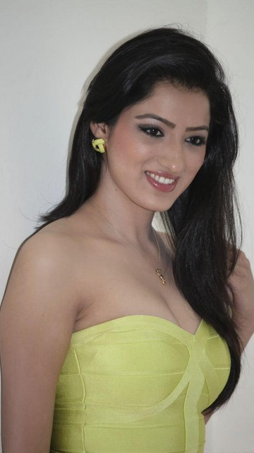Richa Panai Latest Hot Wallpapers