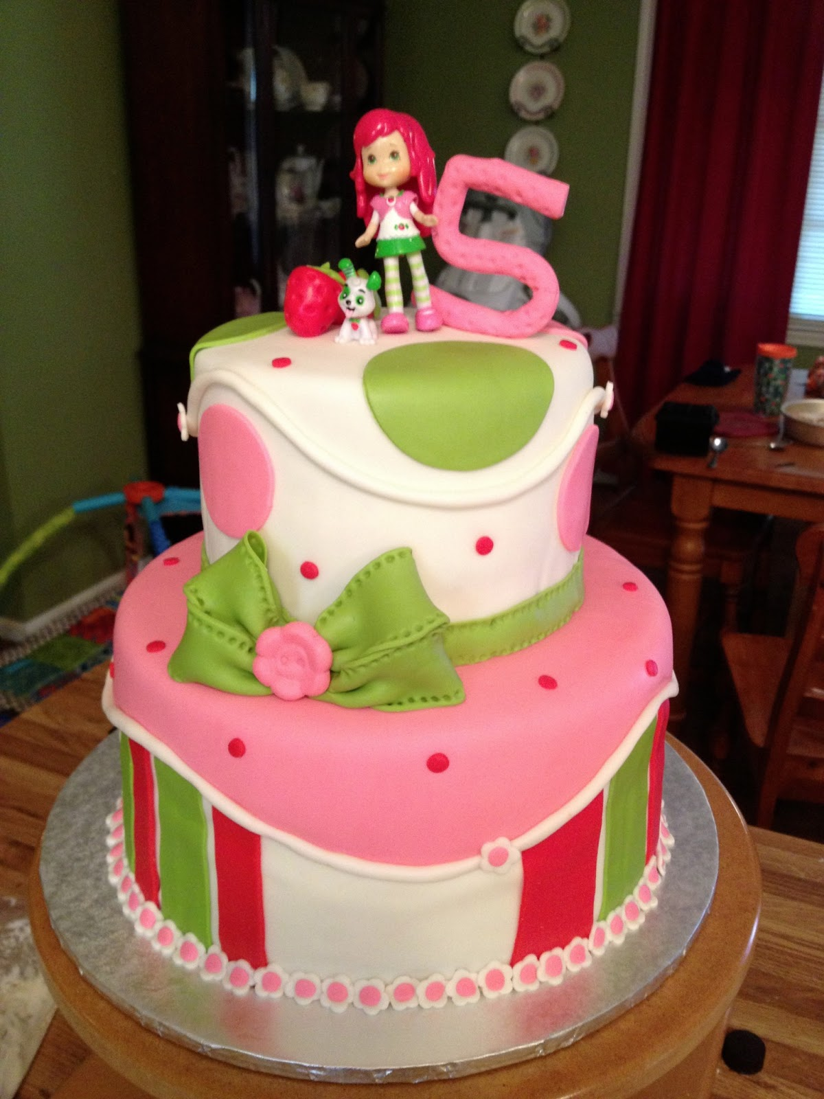 Shortcake birthday cake - strawberry cake with strawberry buttercream ...