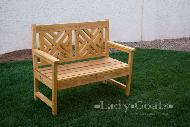 Basket Weaving Jig : Lady goats benched