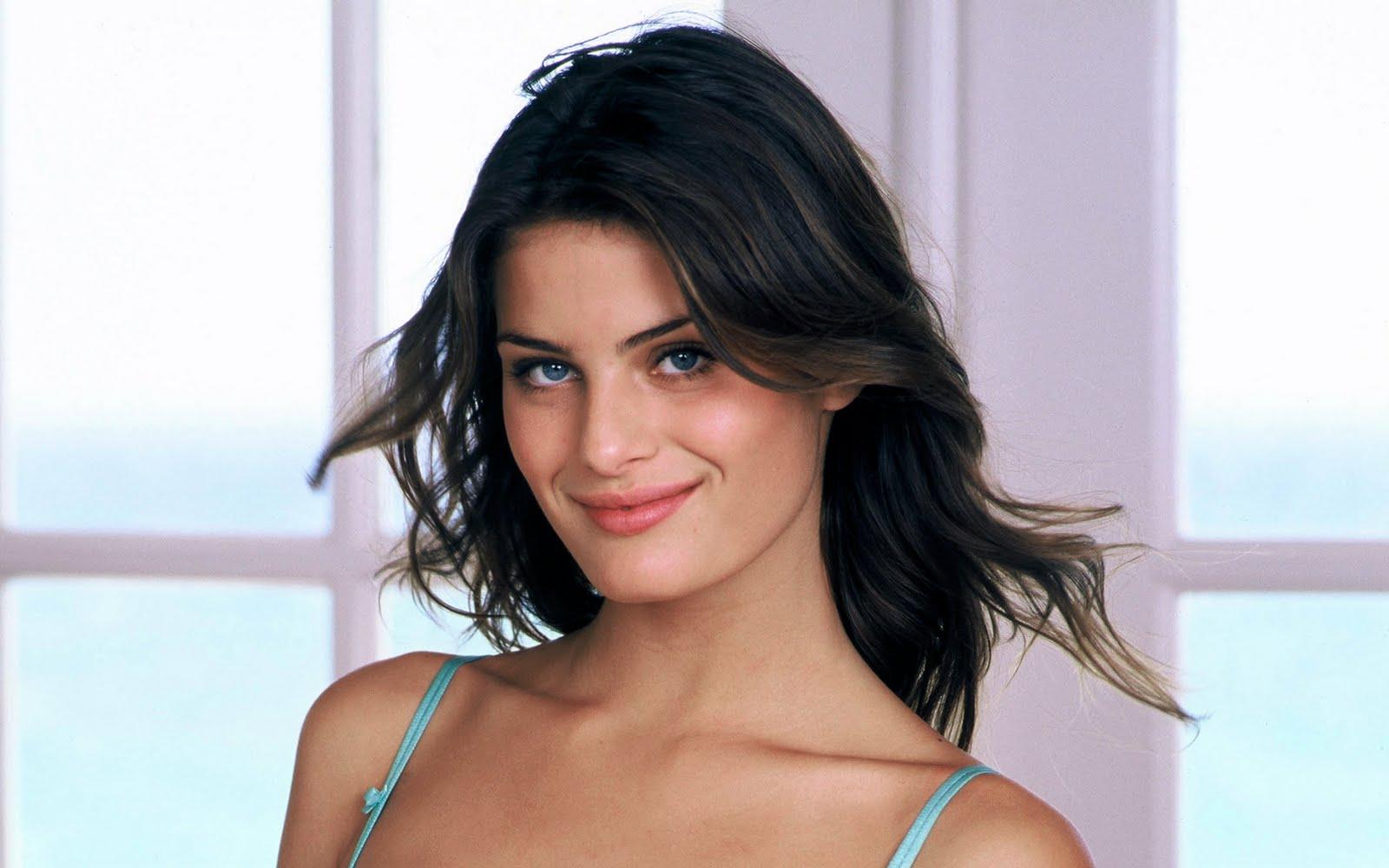 the celebrity action: brazilian model isabeli fontana lovely ...