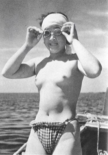 「カッコイイ」日本の「女ターザン」(海女):  <br>昭和時代 (1963年ごろ)
