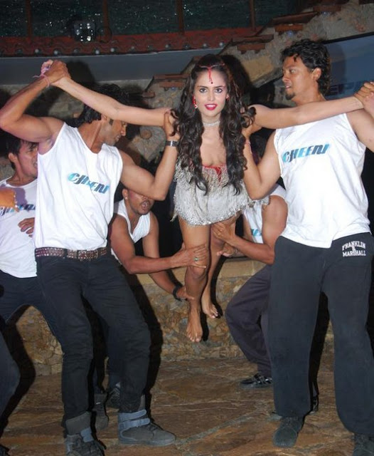 Nathalia Kaur - The Next Bollywood Girl In Dan Dan Cheeni Song Launch Event Pics Pool Side