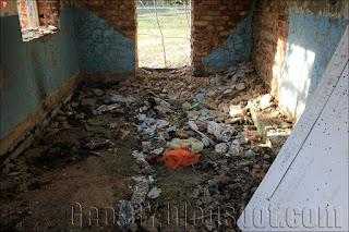 Внутри заброшенного здания на бывшем полигоне 25 арсенала