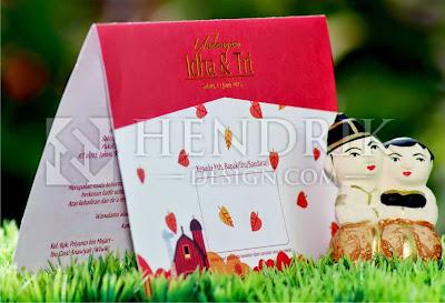 Contoh Desain Undangan Pernikahan Karikatur Idha & Tri (HCGD-21)