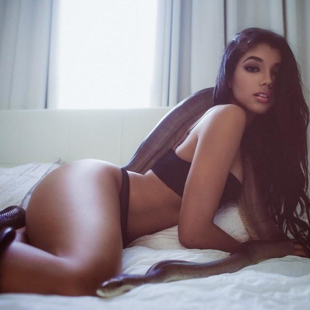 Nuevas fotos de Yovanna Ventura