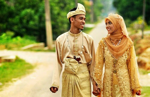 The Husband Who Was Too Shy To Look At His Wife , islamic stories