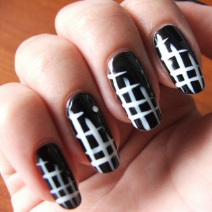Black Nail Art with White Check Pattern