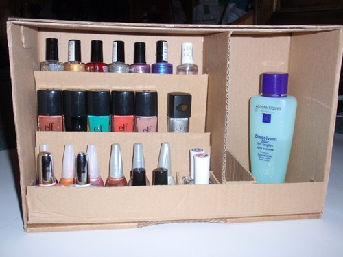 diy un rangement vernis ongles caro dels blog. Black Bedroom Furniture Sets. Home Design Ideas