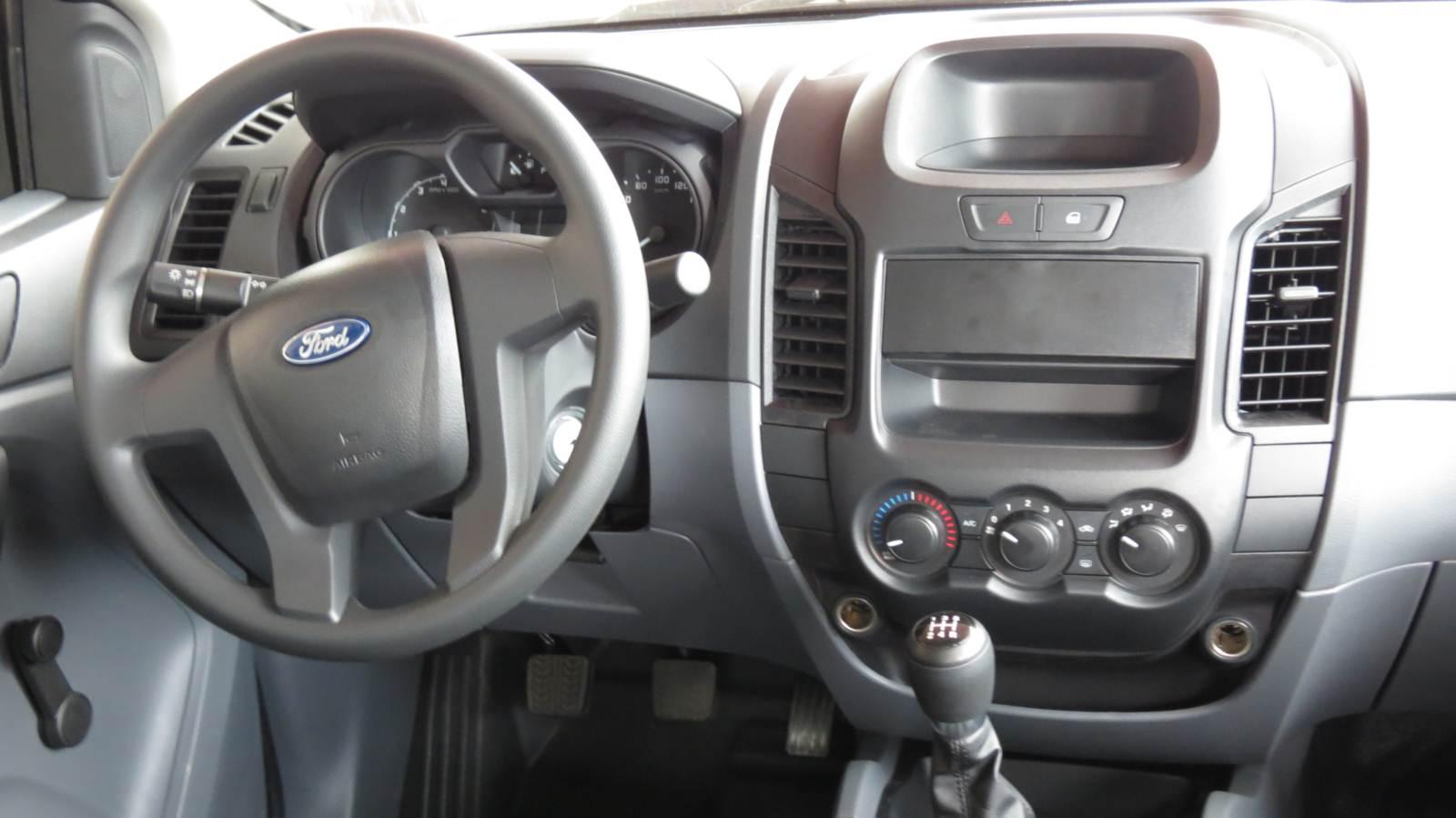 Ford Ranger XL 2.5 Flex Cabine Dupla - painel