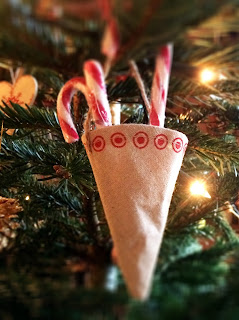 Candy Cane Pockets on Christmas Tree