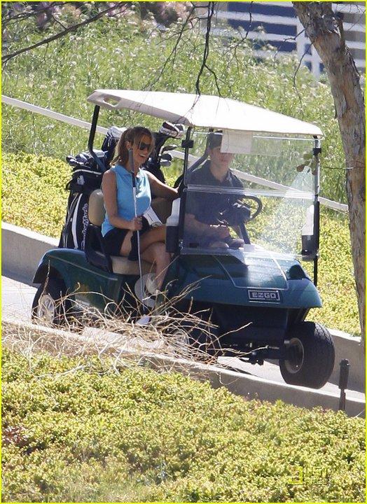 Nick y Delta juegan golf el fin de semana 283500_230727686965636_117643018274104_623291_4723022_n+%25281%2529
