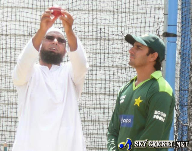 Saqlain agreed to help Ajmal change his bowling action