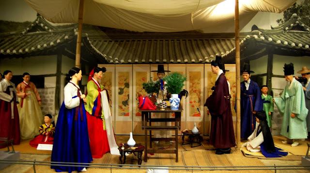 Vé máy bay đi Seoul giá rẻ - Bảo tàng dân gian trong cung điện Gyeongbokgung Seoul