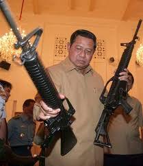 "<imd src=""pelecehan terhadap SBY.jpg"" alt=""Sayembara Wanted melecehkan Presiden SBY"">"