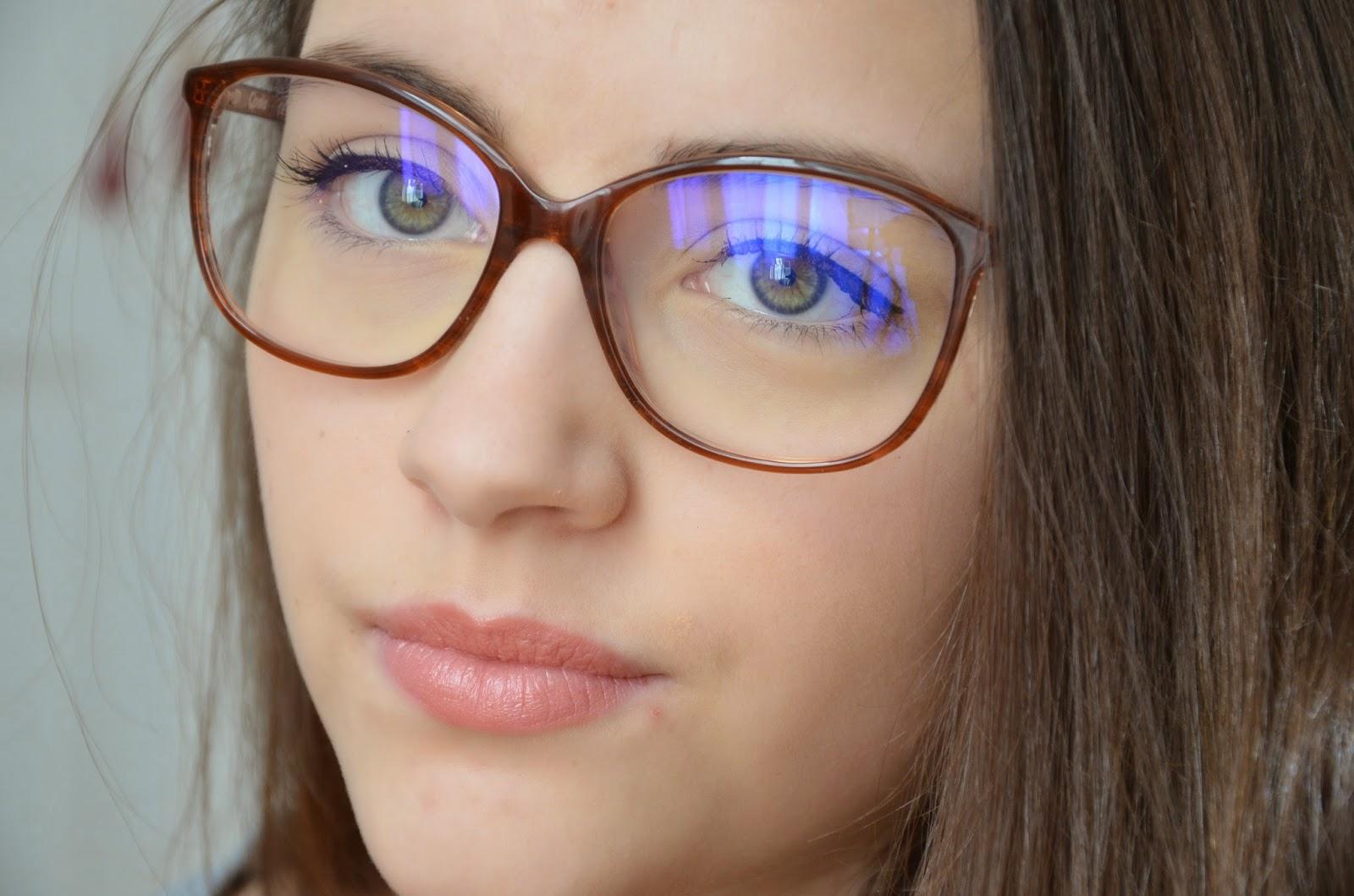 Le maquillage des filles lunettes women 39 s world - Maquillage avec lunette ...