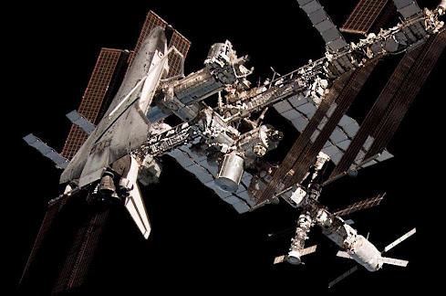 HOMENAJE 30 ANIVERSARIO AL PROGRAMA SPACE SHUTTLE 1981 - 2011 EL ENDEAVOUR ACOPLADO A  ISS /STS-134