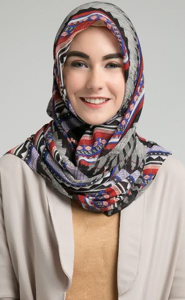 Hijab Modern Segi Empat untuk Pesta