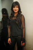 Shruti Haasan at Yevadu App Launch event-thumbnail-1