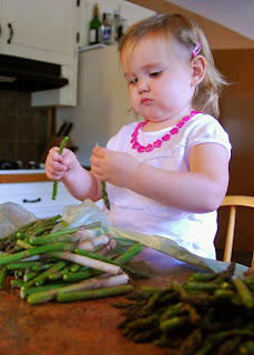 Vet School Widow: Ideas for cooking with a toddler - snapping asparagus.