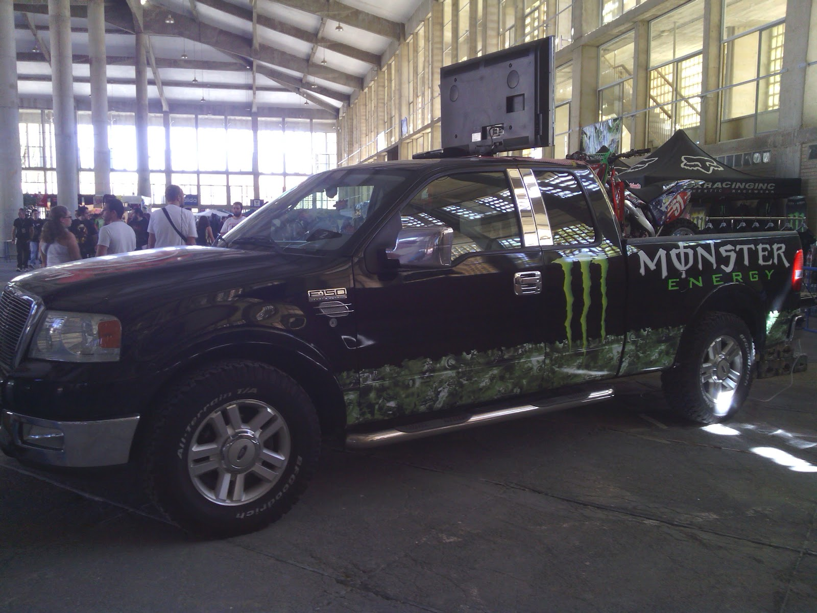 Monster Energy aposto por la Comic Con