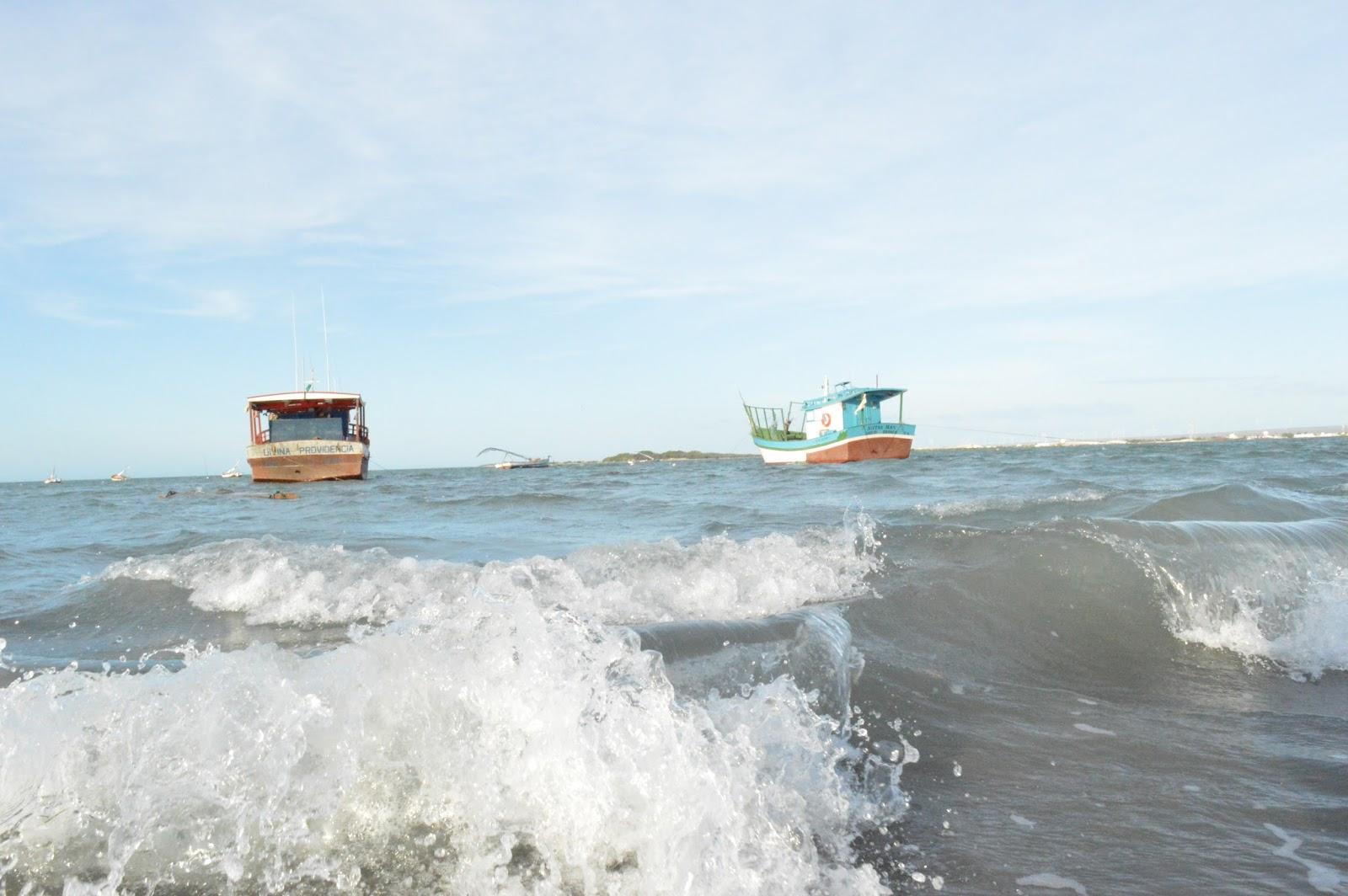 Resultado de imagem para Marinha alerta para ondas de até 4 metros no litoral potiguar
