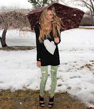 Rainy Day Leggings - Barefoot Blonde Amber Fillerup Clark