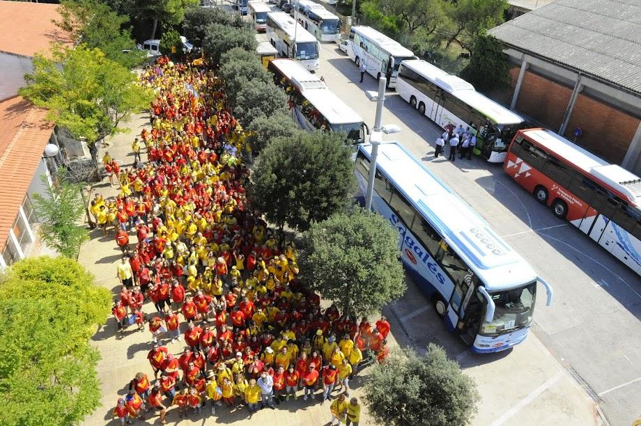 742 persones i 13 autocars a la V-11'S