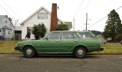 Craigslist Cars Big Springs Owner >> OLD PARKED CARS.: 1977 Toyota Corona Luxury Edition Station Wagon.