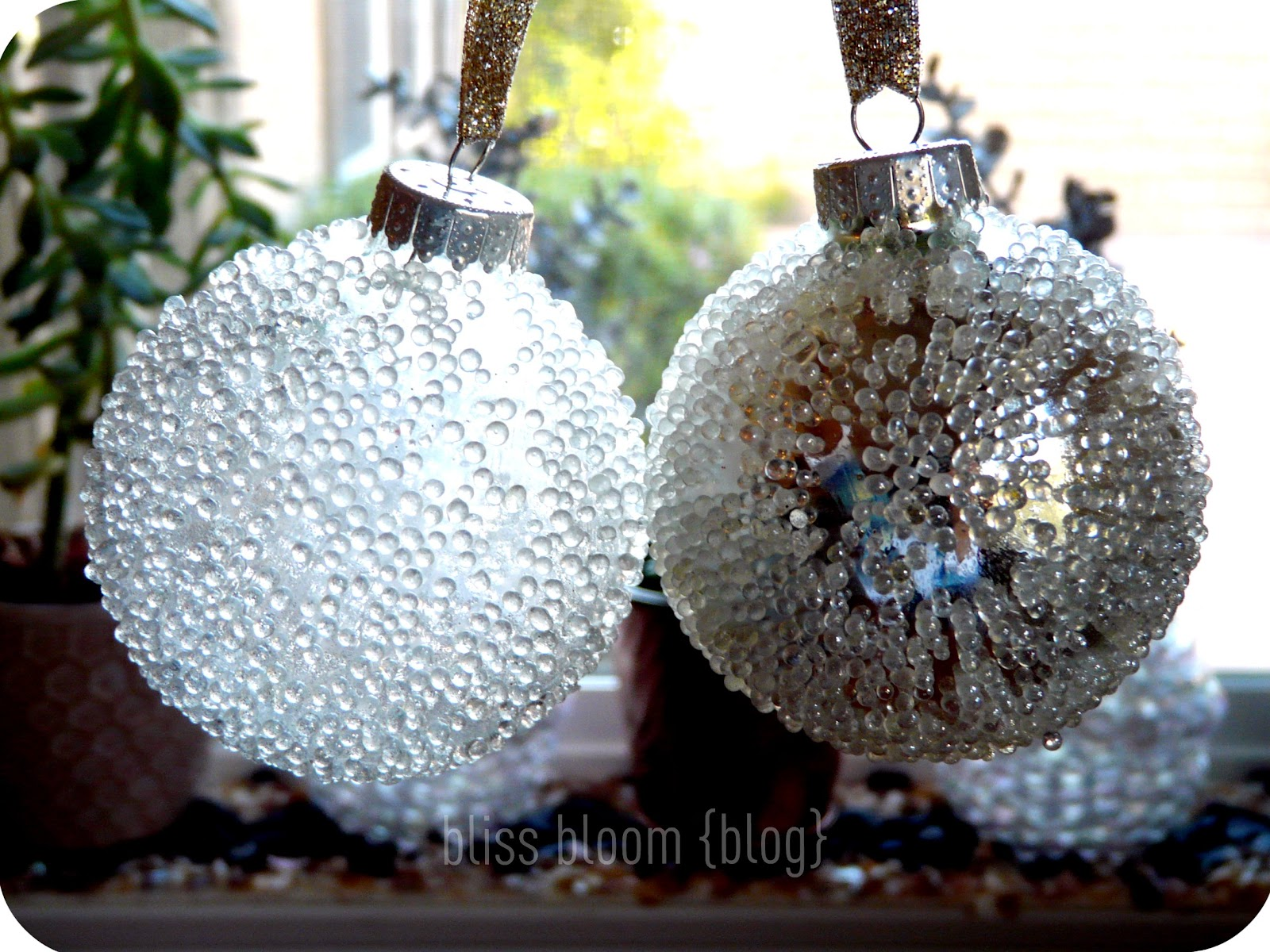 Make elegant simple ornament projects