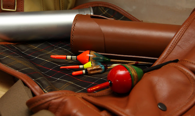 Leather Bag with Leather &amp; aluminium  Float Tubes