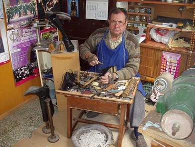 Viejo chirigotero 2 zapatero remend n for Imagenes de zapateros
