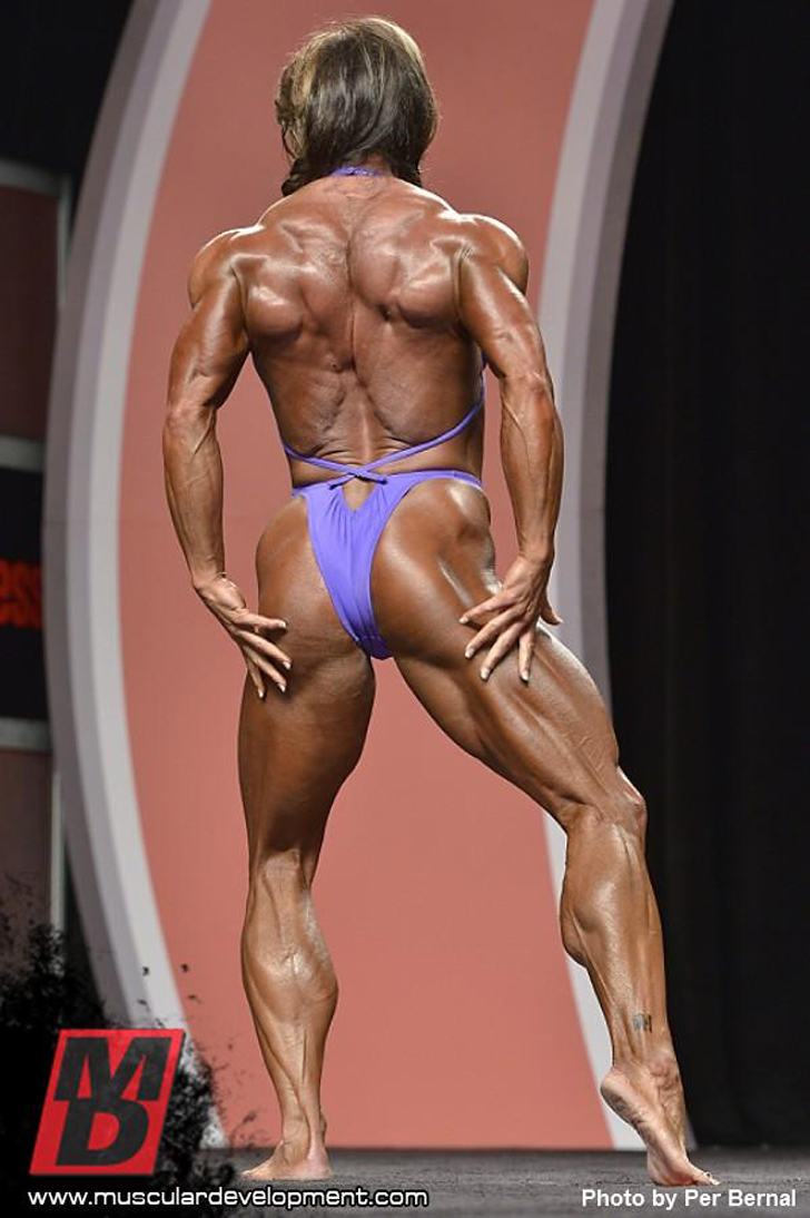 Sheila Bleck Flexing Her Shredded Physique At The 2012 IFBB Olympia