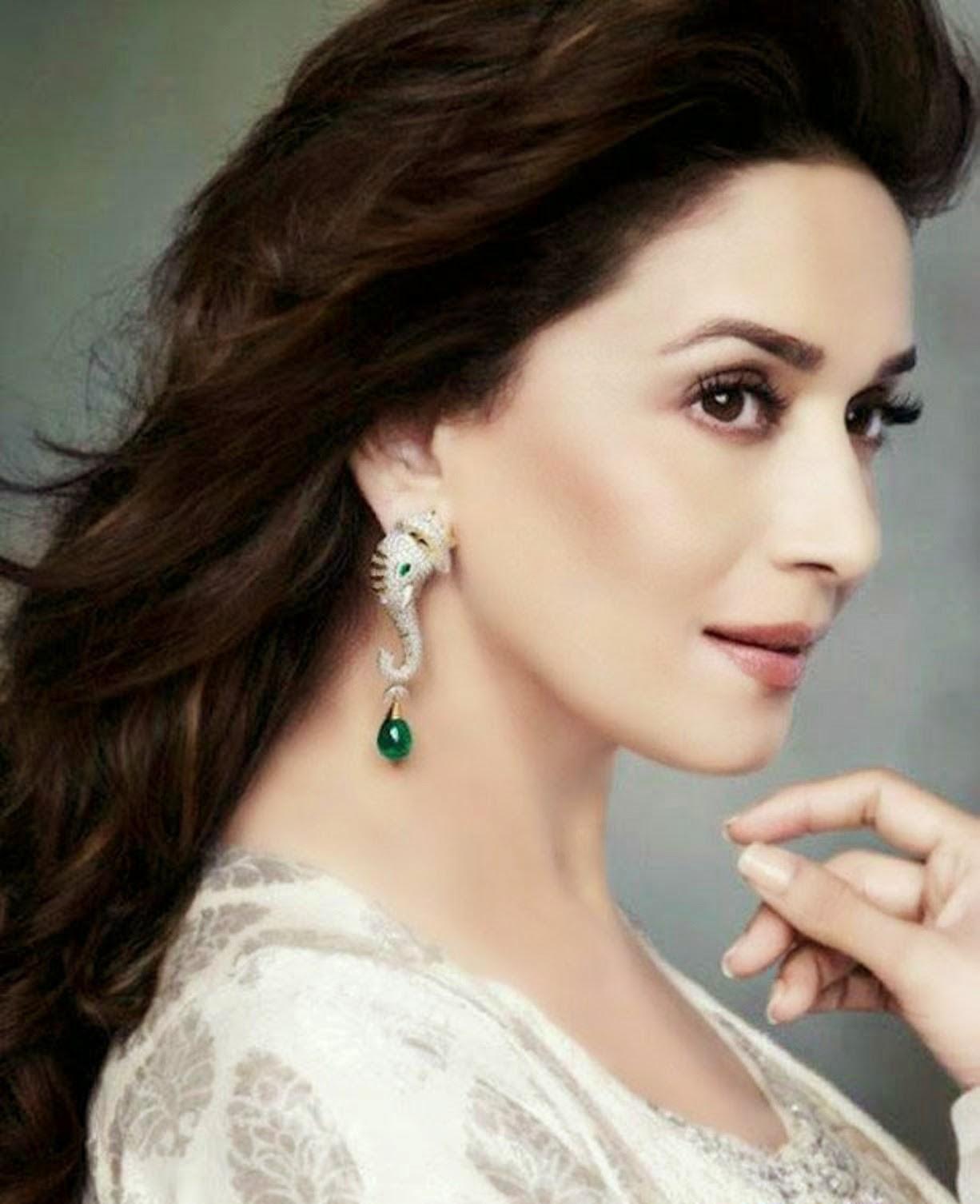 Beautiful Indian Bollywood Actress All Time: Madhuri Dixit HD Wallpaper