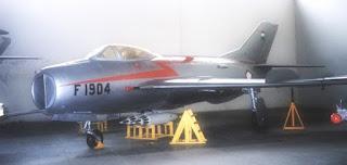 supersonic MiG-19