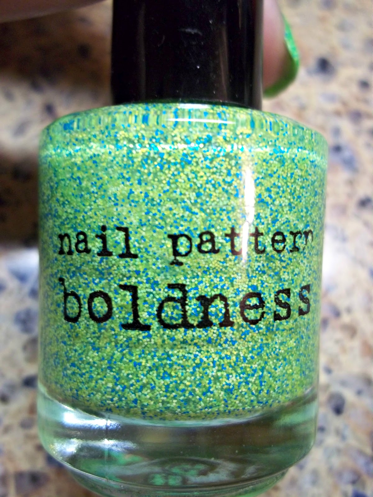 Nail Polish Goddess: Nail Pattern Boldness - Flipping Out Hard