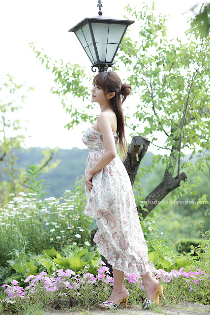 Heo-Yun-Mi-Strapless-Dress-24-very cute asian girl-girlcute4u.blogspot.com